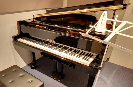 ピアノはYamahaのC3、G3、スタインウェイのボストン+アップライト2台!